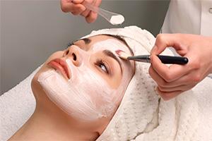 Гигиеническая механическая чистка кожи лица на косметике DMK (США)
